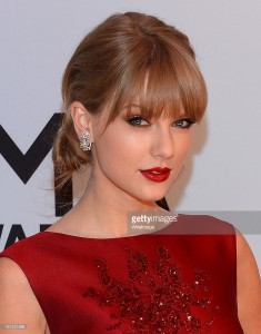 attends the 47th annual CMA Awards at the Bridgestone Arena on November 6, 2013 in Nashville, Tennessee.